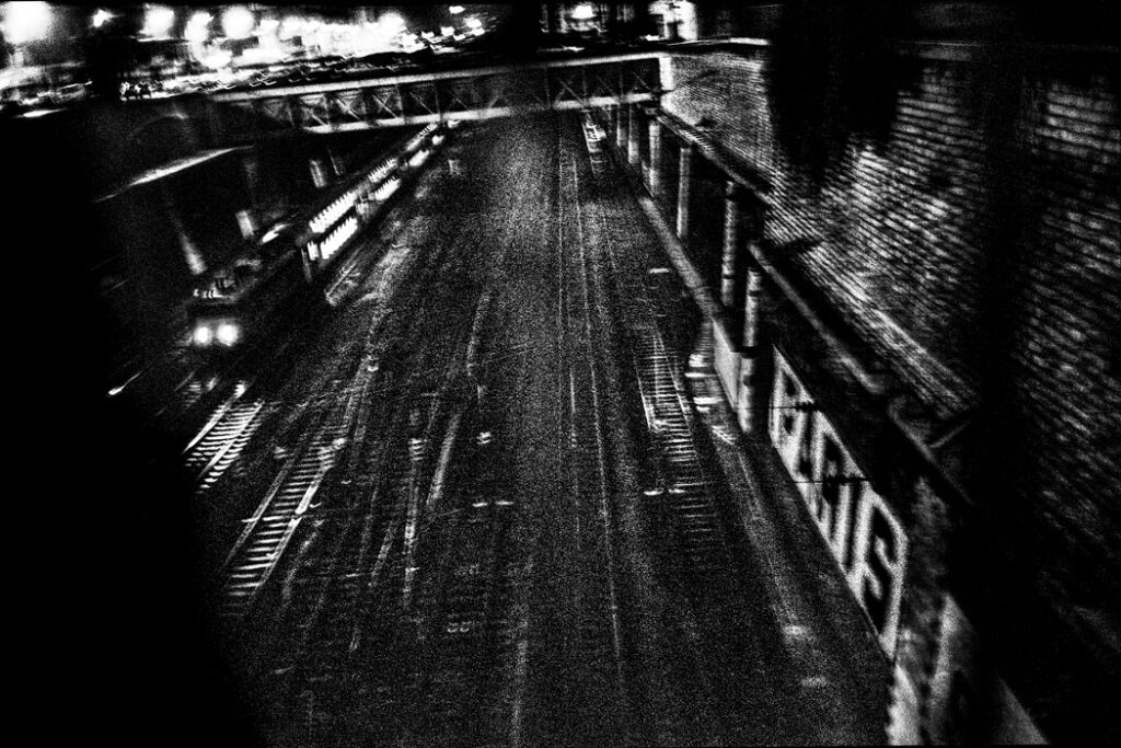 Jehsong Baak, Train tracks, Paris 1998, Paris Diary